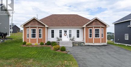 25 Newbury Street, Portugal Cove - St. Philips 1224994