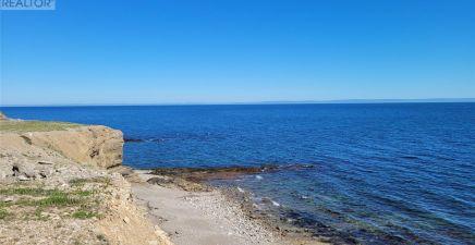 9 Seashore Lane, Cape St. George 1232740