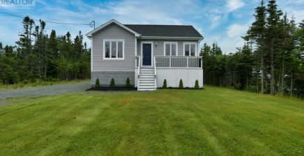 557 Pouch Cove Highway, Flatrock 1233130