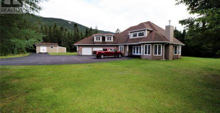 2 Spruce Drive, Humber Village 1233423
