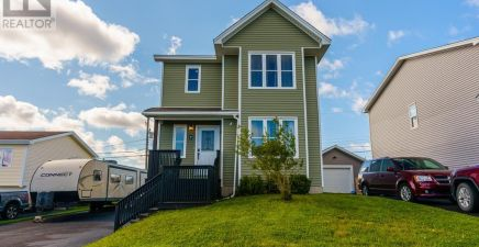 7 Country Grove Place, St. John`s 1237017
